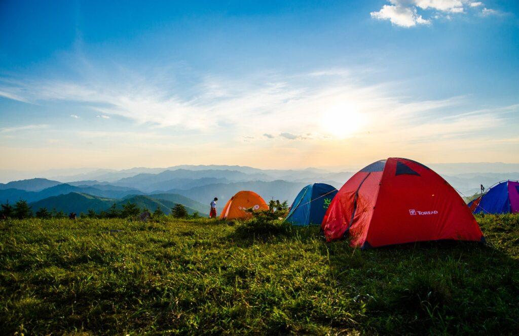 Ti piace trascorrere le tue vacanze in camping e vorresti che al suo interno ci fosse un mini supermercato a tua completa disposizione? Supercond24 ti accontenta con un'offerta varia e di qualità